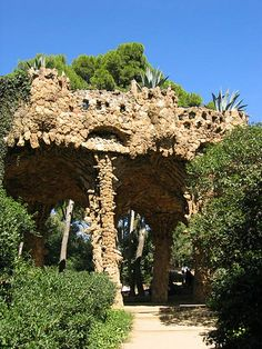 gaudi structure in parc guell   Costa Brava & Catalunya Excursions in Barcelona Holidays in Barcelona Sightseeing tours, airport transfers, taxi, interpreter and your personal guide in Bar