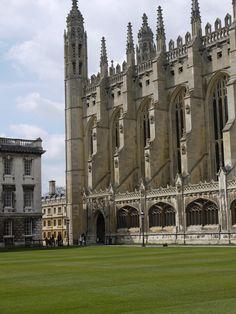 King's College Chapel side view, University of Cambridge, Cambridgeshire, England, UK
