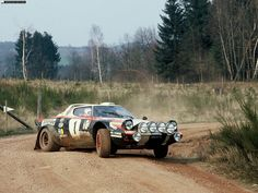 http://img.infocoches.com/img/lancia/1972-Stratos-Rally-Version/lancia_1972-Stratos-Rally-Version-001_2.jpg