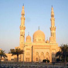 Bijzondere rondleiding in de grootste moskee van Dubai (Jumeirah Moskee) #3MTT #NHTV