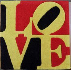 """Robert Indiana - """"Liebe"""" - liefde  Robert IndianaHeliotherapy - """"Liebe"""" - liefdeTapijt in hand-gekaarde wol60 x 60 cm (dikte ongeveer 1 5 cm)Met de handtekening afgedrukt op de achterzijde van het certificaatBolduc ontvangst voor het afdrukken en echtheid certificaat op de rugIn uitstekende conditieProfessionele zending door FedEx  EUR 30.00  Meer informatie"""