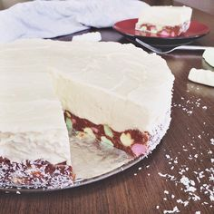 Lolly log cheesecake raw cheesecake cheesecake, lolly cake и No Bake Desserts, Delicious Desserts, Dessert Recipes, Yummy Food, Easy Desserts, Drink Recipes, Raw Cheesecake, Cheesecake Recipes, Homemade Cheesecake