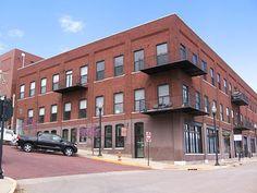 Mississippi Landing - The Building