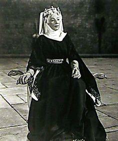 Eleanor played by Martita Hunt in The Story of Robin Hood and His Merrie Men (1952) www.eleanorofaquitaine.net