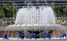 Grand park fountain dancers