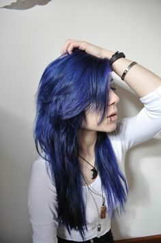 Pinning this for the hairstyle, not the color, even though the color is gorgeous :3