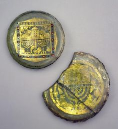 Gold glass fragments with menorahs and Torah shrines. Gold glass. 4thc. CE