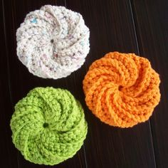 I was looking for a small project to do with some scrap cotton yarn. These scrubbies are quick and fun to make. I used this video by Naztazi...