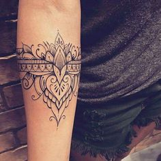 Mandala #TattooIdeasArm #TattooDesignsArm #HennaTattooIdeas