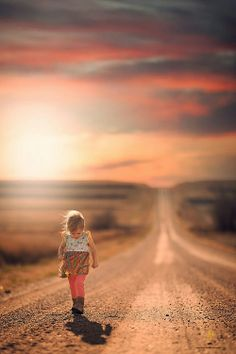 Colours amazing and the feeling of this pic is just so beautiful and like she is on a journey