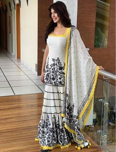 White georgette embroidered plazzo salwar suit - Top Fabric : GeorgetteInner :- SilkFully Stitched up to 42 sizePlazzo Fabric: Georgette Fully Stitched up to xxl sizeDupatta :- Georgette with Fancy laceStitching Type : StitchedOccasionWhite georgette embr Salwar Designs, Kurti Designs Party Wear, Dress Designs, Designer Salwar Kameez, Indian Attire, Indian Outfits, Salwar Dress, Anarkali Suits, Churidar Suits