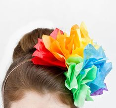 DIY Carnival Headband using tissue paper! Cute!  Tiara para o carnaval com papel. Super facil!!!
