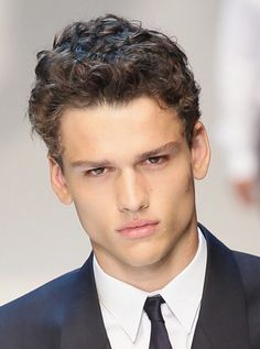 Messy Yet Stylish Hairstyles for Men: Curly hair
