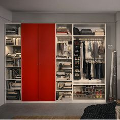 IKEA Österreich, Inspiration, Schlafzimmer, PAX Kleiderschrank mit KOMPLEMENT Inneneinrichtung Closet Storage, Closet Organization, Organization Ideas, Minimalist House Design, Minimalist Home, Ikea Pax Wardrobe, Walk In Closet, Ocd, Multifunctional