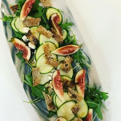 Fig goats cheese & zucchini salad with walnut bread croutons #salad #sexysalads #healthyeats #figmintcatering #sydneycaterer #celebrations #entertainingwithfigmint #dinnerparty #shareplates