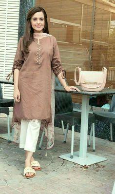 Kurti sleeves design - How to wear clothes ideas simple Pakistani Fashion Casual, Pakistani Dresses Casual, Pakistani Dress Design, Indian Fashion, Pakistani Bridal, Emo Fashion, Thug Fashion, Style Fashion, Fashion Drug