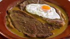 Confort Food, Portuguese Recipes, Portuguese Food, Looks Yummy, Empanadas, Different Recipes, Buffet, Steak, Good Food