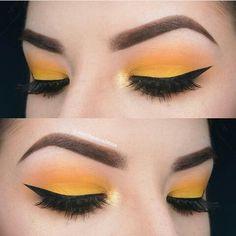 pιnтereѕт : @HerGuide • #EyeMakeup #YellowEyeMakeup #YellowMakeup #Yellow #Yellowish #Makeup