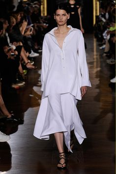http://www.fashionsnap.com/collection/stella-mccartney/2015ss/gallery/index8.php