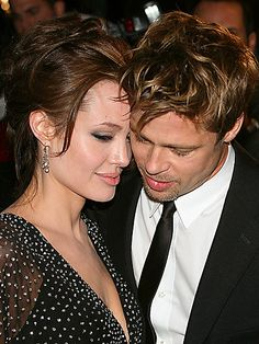 Brad Pitt and Angelina Jolie Pitt Brad And Angelina, Brad Pitt And Angelina Jolie, Jolie Pitt, Hollywood Couples, Celebrity Couples, Hollywood Stars, Brad And Angie, Virée Shopping, Awkward Photos