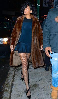 """Rihanna at """"Marquee"""" Nightclub in New York (Dec 18th, 2013)"""
