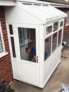 Rich designed entrance porch design Save on Pergola With Roof, Pergola Shade, Patio Roof, Pergola Kits, Pergola Ideas, Upvc Porches, Sas Entree, Lean To Conservatory, Porch Extension