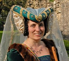 henin headdress - Google Search