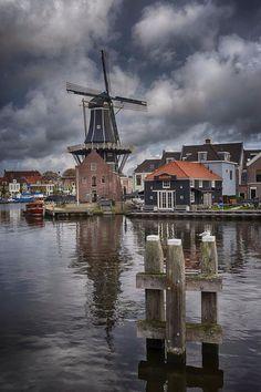 De Adriaan -- Great shot! Beautiful Haarlem.