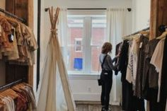 ENTITY creates a capsule wardrobe planner. Capsule Wardrobe, Wardrobe Planner, New Wardrobe, Hippie Mode, Hippie Chic, Fast Fashion, Fashion 101, Slow Fashion, Fashion Beauty