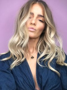 Beautiful blonde balayage hair/makeup in 2019 волосы, причес Beige Blond, Brown Blonde Hair, Pelo Midi, Midi Hair, California Hair, Stylish Hair, Blonde Balayage, Mi Long, Hair Looks