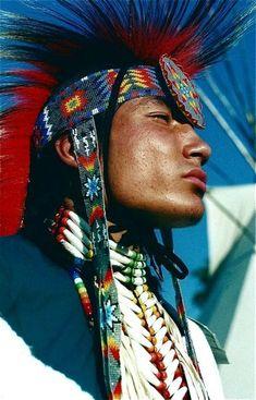 Andrew Hogarth – Delwin Fiddler Jr, Minniconjou-Lakota, Crow Fair, Montana, Love this. Native American Regalia, Native American Pictures, Native American Beauty, American Indian Art, Native American History, American Indians, Native Indian, Native Art, Pow Wow