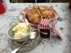 How to make clotted cream (the Edwardian traditional way) - really easy, you just need raw milk, a very large pan, a thermometer and time