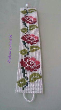 Bead Loom Designs, Bead Loom Patterns, Native Beading Patterns, Beaded Bracelet Patterns, Beaded Banners, Bead Loom Bracelets, Seed Bead Jewelry, Beading Tutorials, Loom Beading