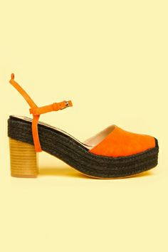 We love this fresh take on espadrilles. Click through for more foot-friendly summer sandals!