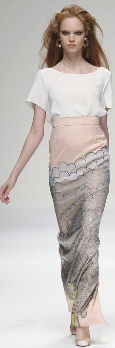 Such a fab skirt!! Holly Fulton ~ London