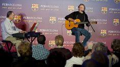 Serrat y Miralles en el Casal d'avis del Barça.