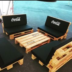 Minus the coca cola cushions and I am happy with this pallet set up.