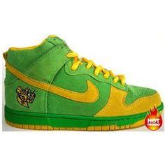 on sale a26d0 1cf43 Mens Nike Dunk SB high Lucky Bee