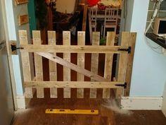 Child/Dog Gate Fun Pallet Crafts for Kids 1001 Pallets, Recycled Pallets, Wooden Pallets, Pallet Benches, Pallet Tables, Pallet Desk, Pallet Cabinet, Pallet Couch, Outdoor Pallet