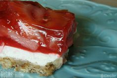 Kraft Strawberry Pretzel Squares 1 - Oh My! Summer Desserts, Sweet Desserts, Delicious Desserts, Yummy Food, Pie Dessert, Dessert Recipes, Dessert Party, Yummy Treats, Sweet Treats