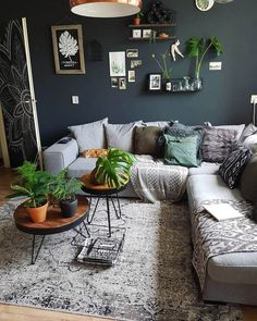 34+ Wonderful Minimalist Living Room Design Ideas | Minimalist Living Room Ideas | Mid Century Modern Living Room | Minimalist Living Room Ikea | Modern Minimalist Small Living Room | Minimalist Living Room With Kids. #sofatamujepara #Decor