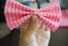 Notes From Nessa : Fabric Bow Tutorial