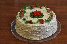 Tämä voileipäkakun ohje on peruja äidiltäni ja tällä ohjeella on tullut vuosien saatossa tehtyä useita eri tavoin koristeltuja kakkuja. Täll...