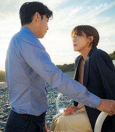 Ha JI Won and Yoon Kye Sang in the series Chocolate Best Kdrama, Ha Ji Won, Korean Drama, Singing, It Cast, Japan, Chocolate, Amor, Drama Korea