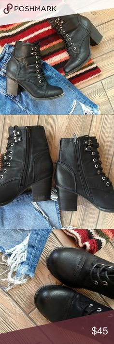 "Steve Madden Boots Booties Lace Up Wedge Ankle Steve Madden Boots Booties Lace Up Black Wedge Ankle Size 8. True to size. 3-3.5"" heel. Great condition. Steve Madden Shoes Ankle Boots & Booties"