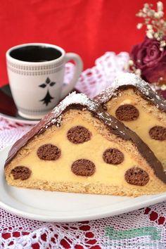 Prajitura Acoperis de Casa Dessert Cake Recipes, Cookie Recipes, Romanian Desserts, Cake Videos, Food Cakes, Delicious Desserts, Sweet Treats, Sweets, Baking