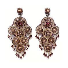 in verschiedenen Beeren-Farbtönen mit 42 Swarovski Kristallen Swarovski, Drop Earrings, Luxury, Accessories, Jewelry, Fashion, Brick Stitch Earrings, Berries, Moda