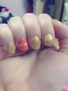 Golden nail art