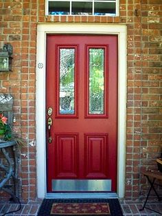 I already have a red front door but wouldn't mind replacing it with a slighty fanicer door like this...