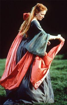 Flowing lines, y'all! Cate Blanchett in Elizabeth. Costumes by Alexandra Byrne